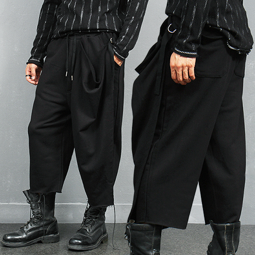 Avant garde Layered Leg Cover 4/5 Wide Sweatpants