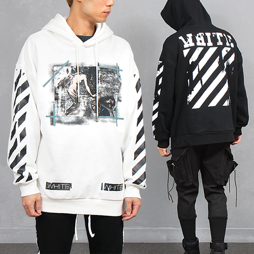 Contrast Check Graphic Printing Boxy Pocket Hoodie