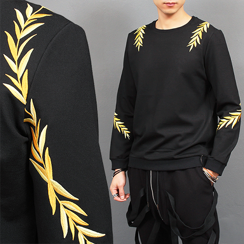 Gold Leaves Stitched Jersey Black Sweatshirt