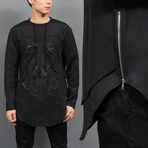 Embossed Lion Zippered Split side Long tee