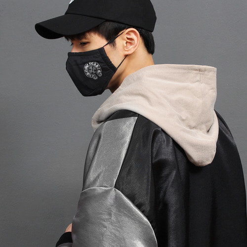 Fine Dust Protection Cross Logo Black Mask 001