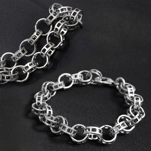 Square Hole Ring Chain Bracelet
