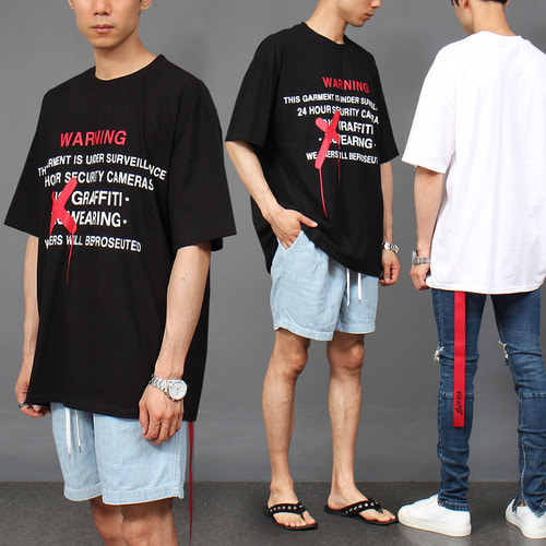 Loose Fit Graphic Printing Red Strap T Shirt 300