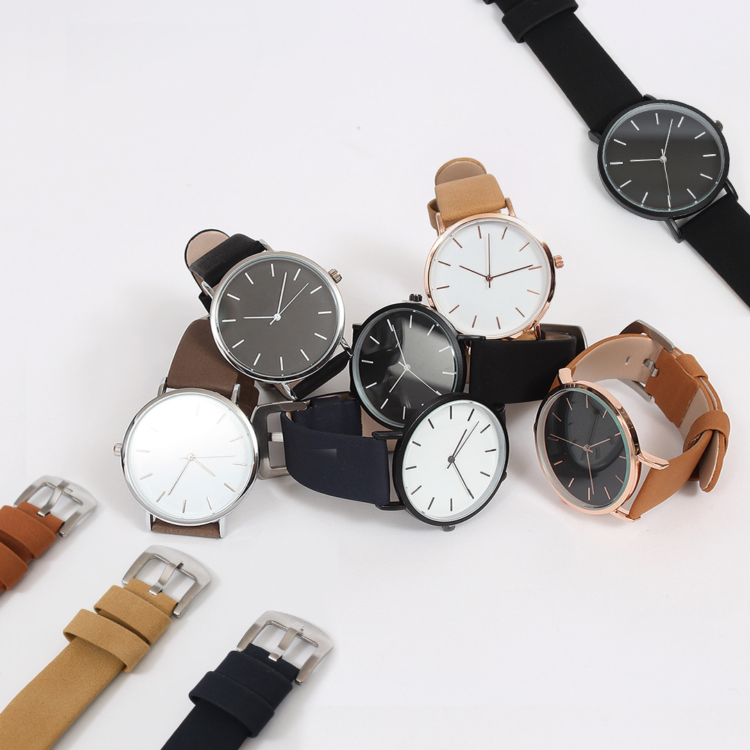 Contrast Color Round Leather Strap Watch 016