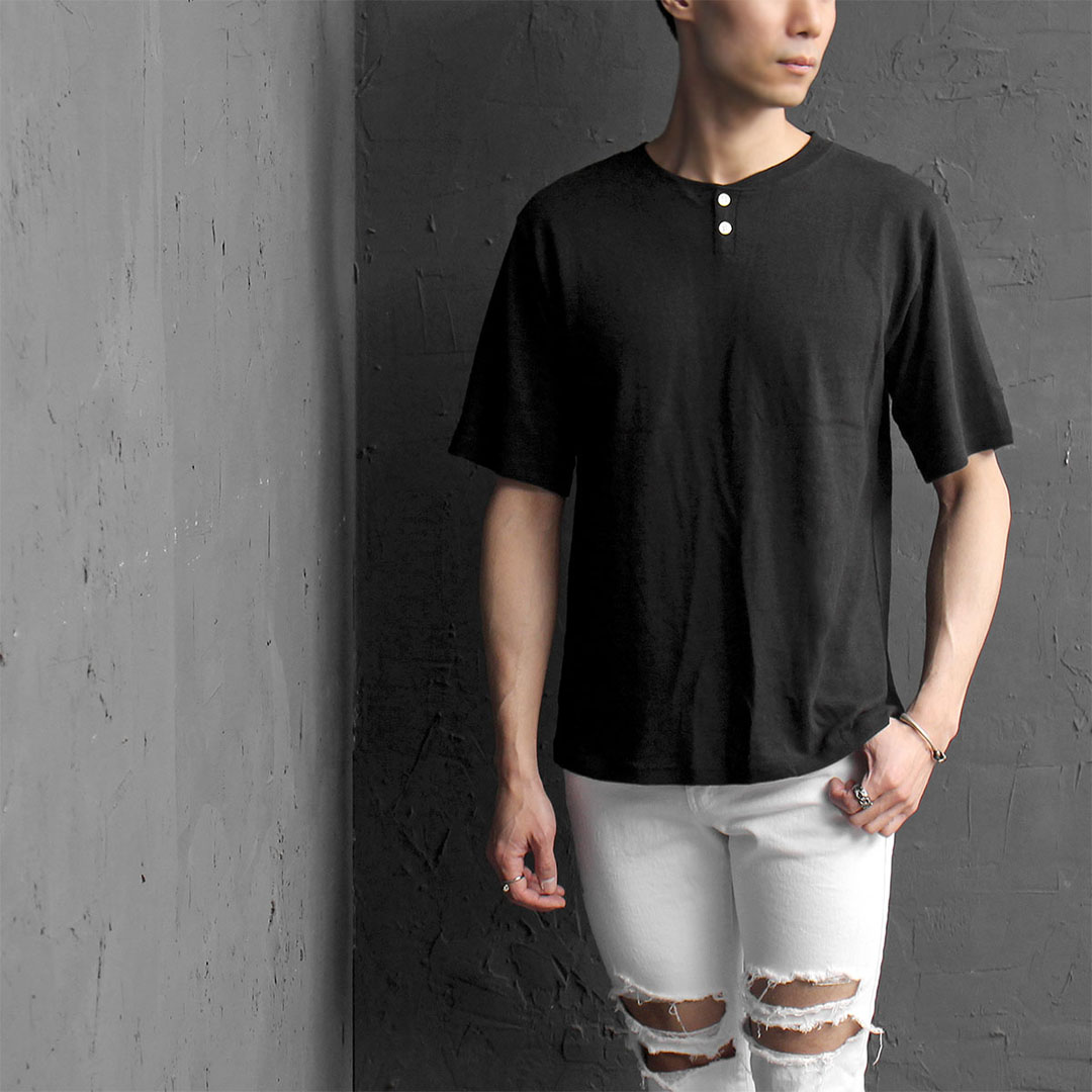 Two Button Henley Neck Short Sleeve Tee 349