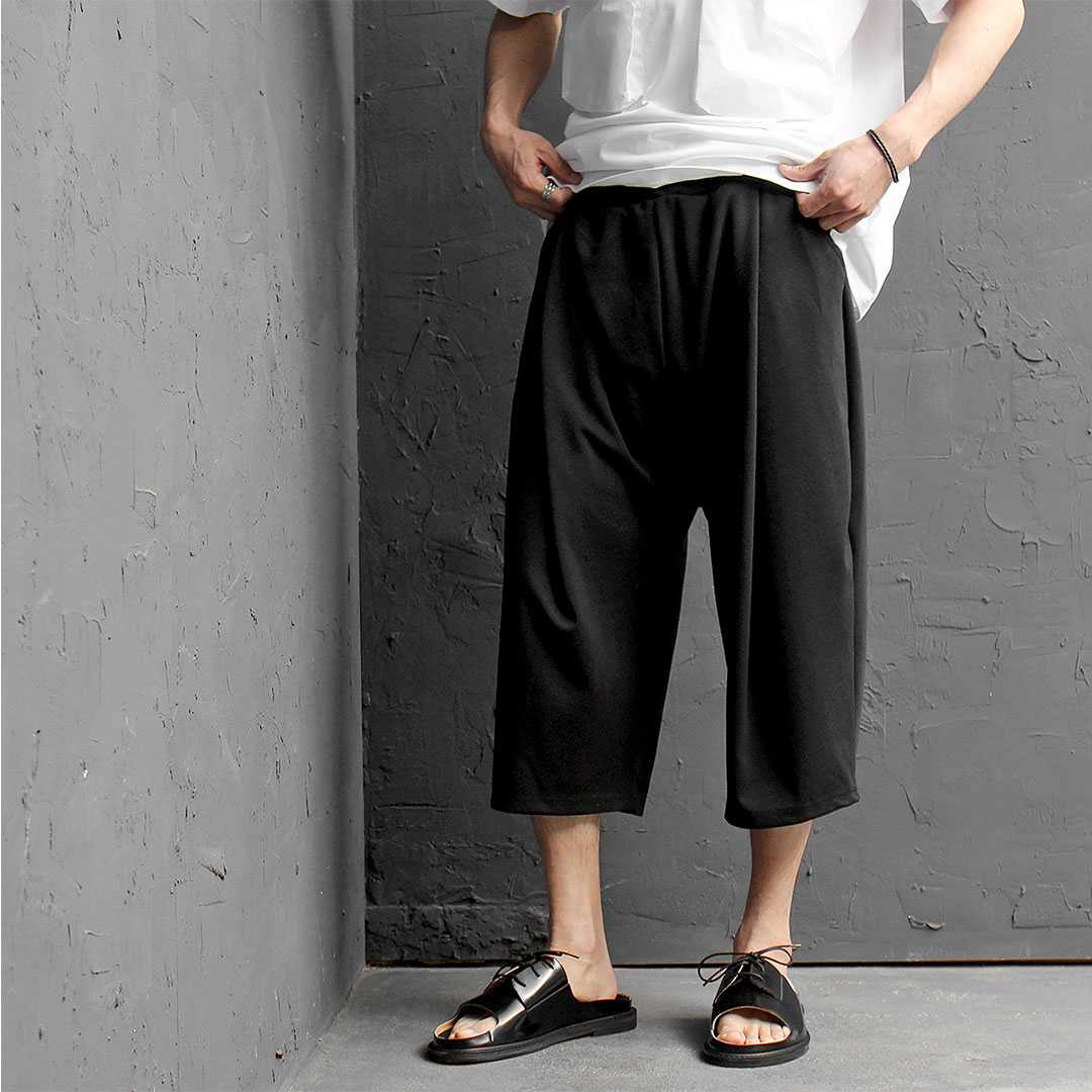 Black Elastic Waistband Pleated 3/4 Wide Sweatpants 420