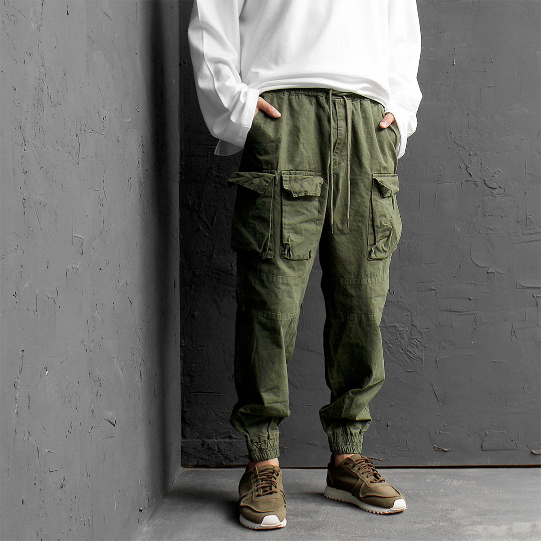 Three Cargo Pocket Elastic Waistband Joggers 540