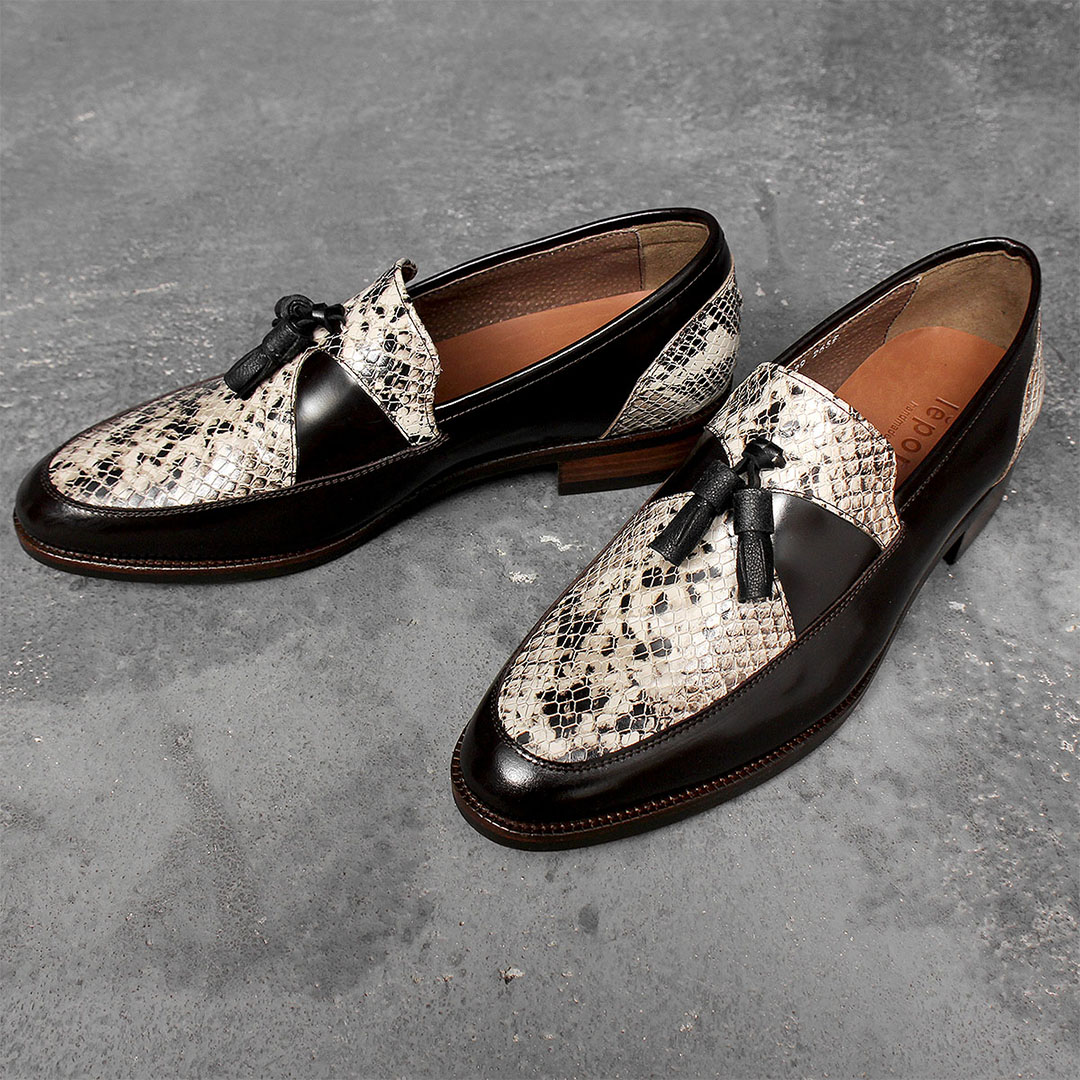 Snake Pattern Tassel Handmade Leather Loafers 1039