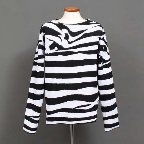 Unique Black White Zebra Pattern Knit Jumper