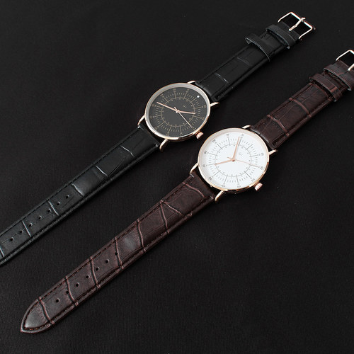 Snake Pattern Leather Strap Round Watch 011