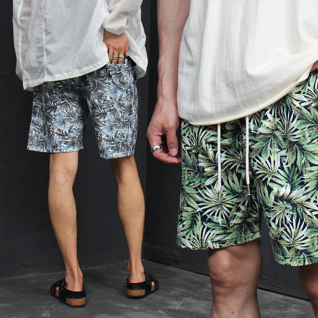 Leaf Printing Elasticized Waistband Short Sweatpants 052
