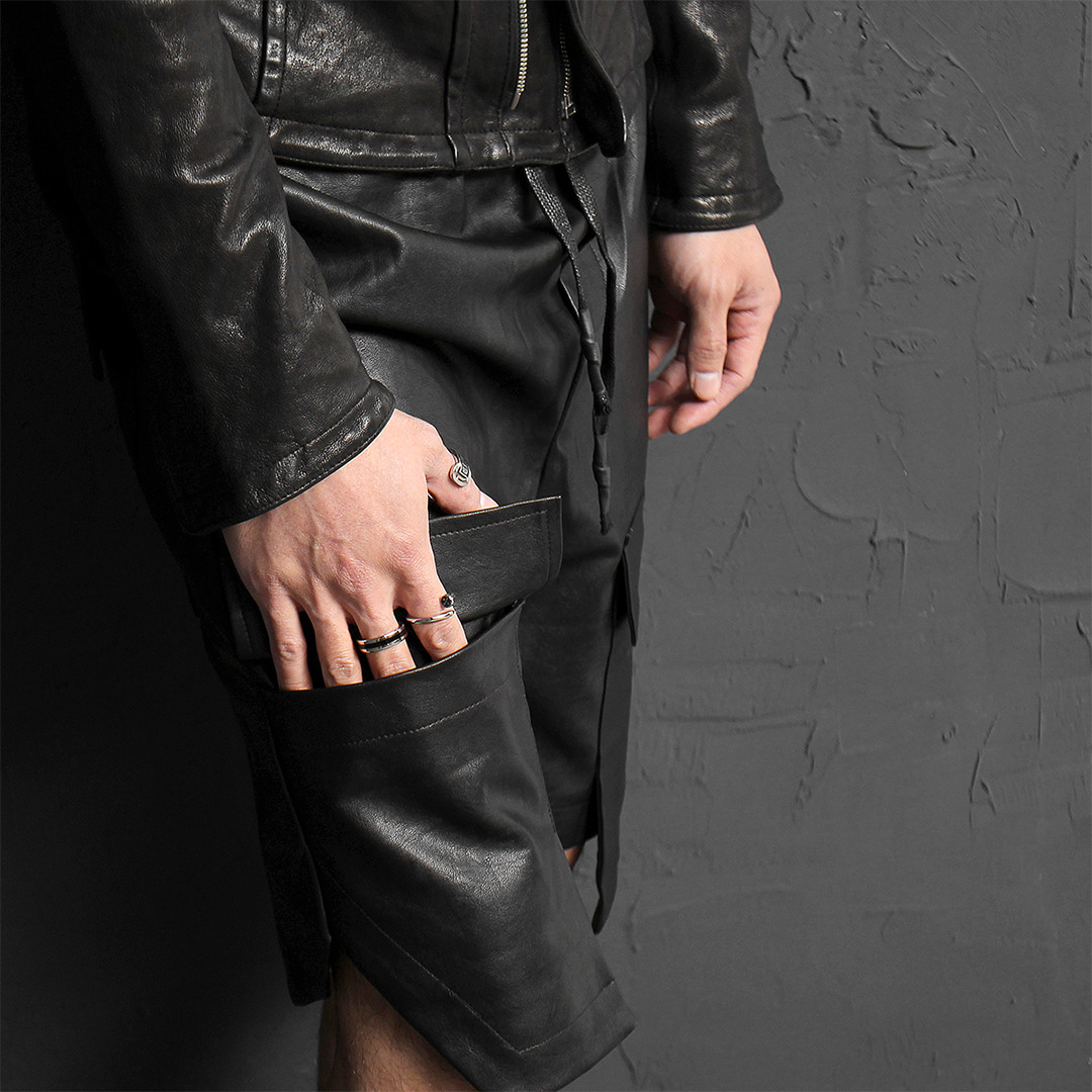 Avant garde Synthetic Leather Cargo Pocket Half Sweatpants 064