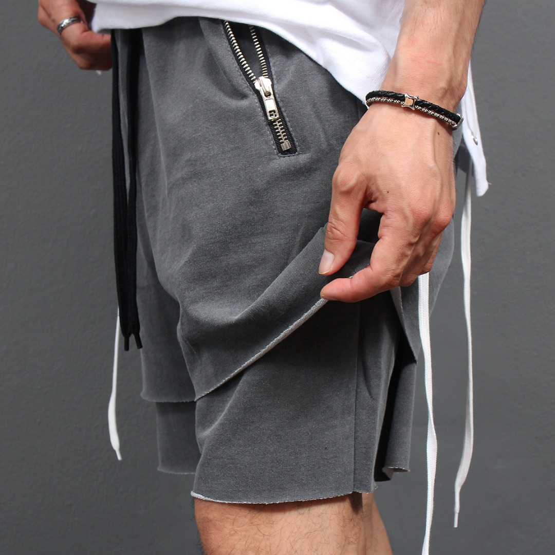 Double Layered Cut Off Zipper Pocket Short Sweatpants 100