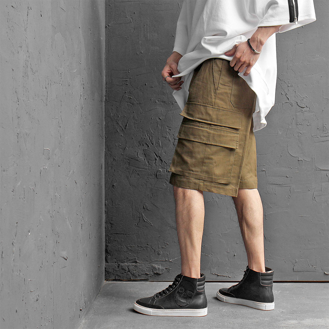Double Flap Cargo Pocket Shorts 430