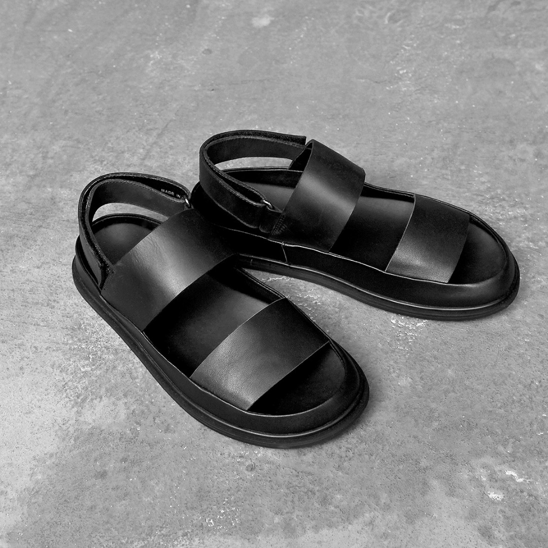 Black Cowhide Leather Simple Sandals 111