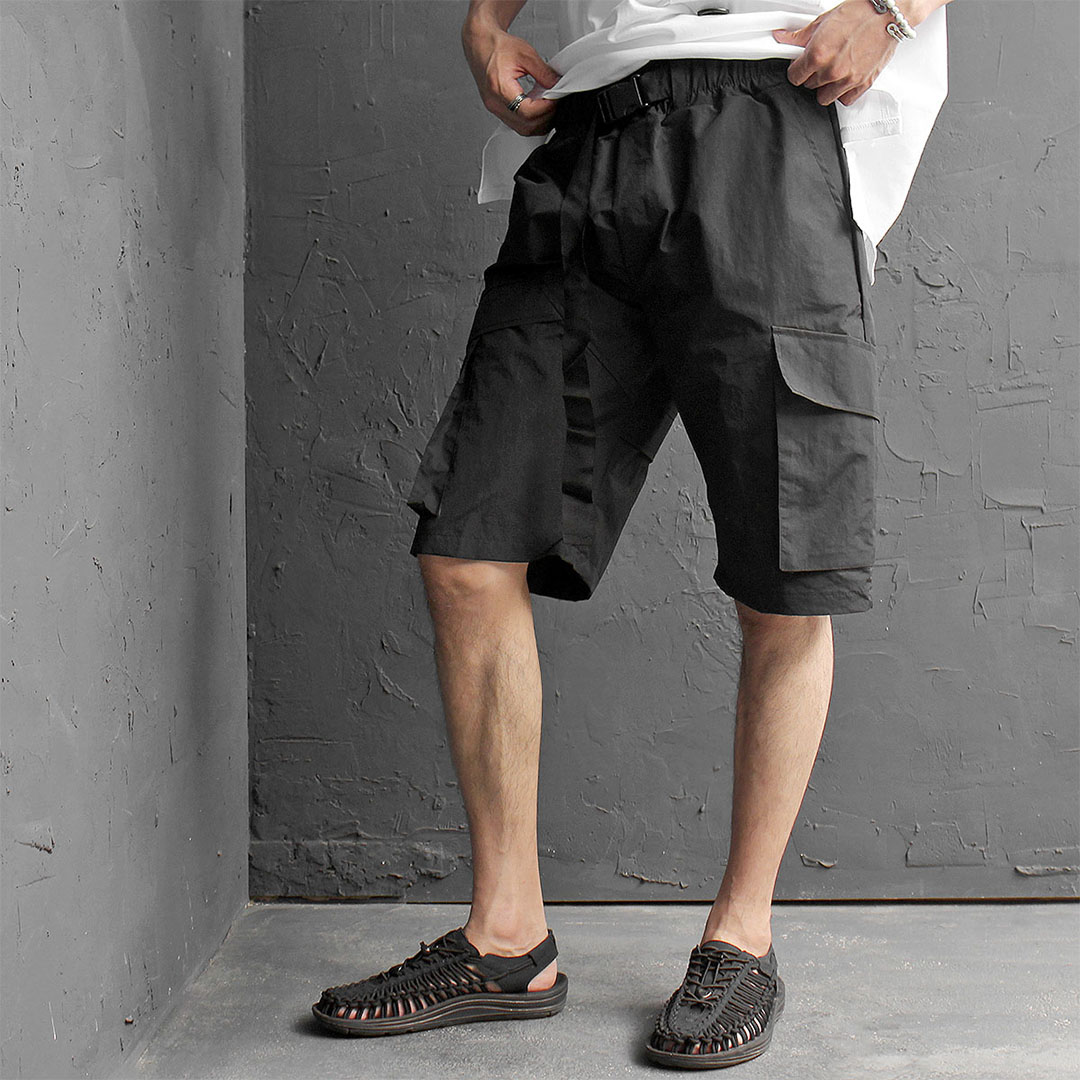 Elastic Waistband Buckle Strap Unbalanced Cargo Pocket Shorts 497