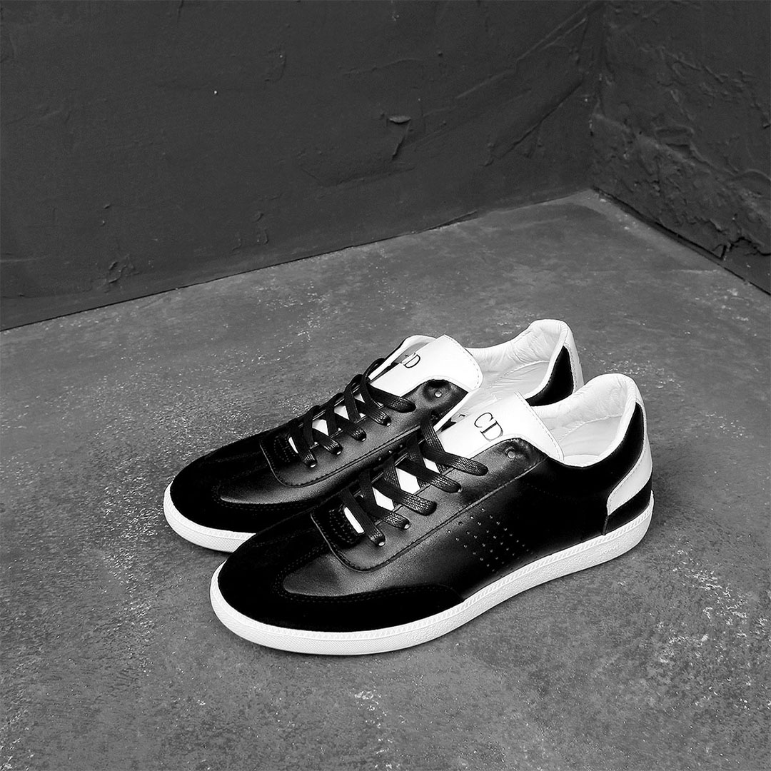 Simple Leather Runner Sneakers 518